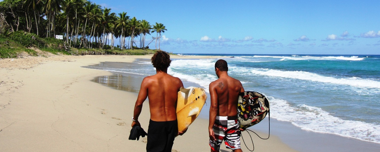 Walk-to-the-surf-from-Hooked-Cabarete-1500x600