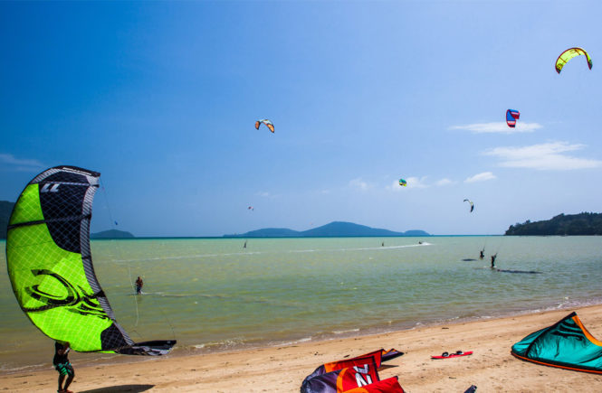 kiteboarding-2-phuket-beach